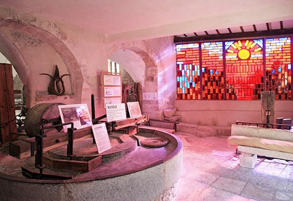 Musée du Vitrail et moulin des bouillons
